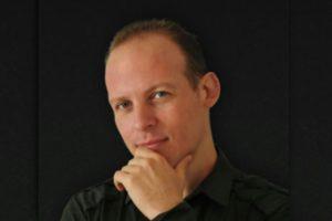 "ALEX GENADINIK – ""Blue Trolley, Bulat Okudzhava"" Exclusive Review!"